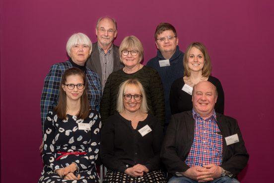 Gruppbild på styrelsen i Sällsynta diagnoser, årsmötet 22 april 2017. (Två ledamöter saknas på bilden.)