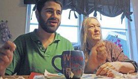 Bild på Rasmus och hans mamma Marika som skrivit berättelsen